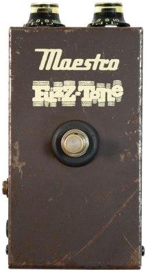 Maestro-FZ-1-Fuzz-Tone-2-Photo-courtesy-of-Soundgas_WEB